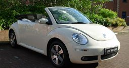 VOLKSWAGEN BEETLE 1.6 LUNA CONVERTIBLE CREAM MANUAL