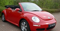 VOLKSWAGEN BEETLE 1.6 LUNA CONVERTIBLE RED MANUAL