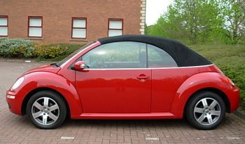 VOLKSWAGEN BEETLE 1.6 LUNA CONVERTIBLE RED MANUAL full